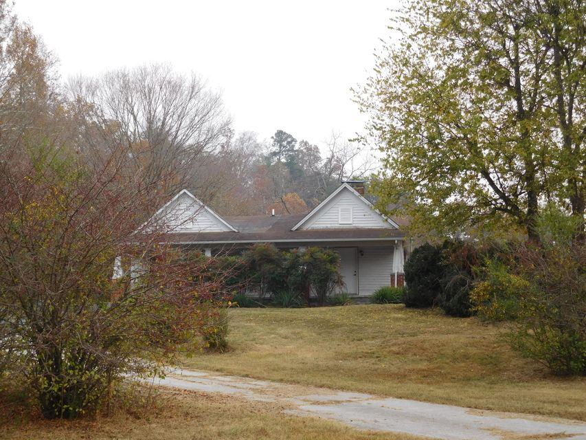 Single Family Home for Sale at 906 Andrew Johnson Hwy Strawberry Plains, Tennessee 37871 United States