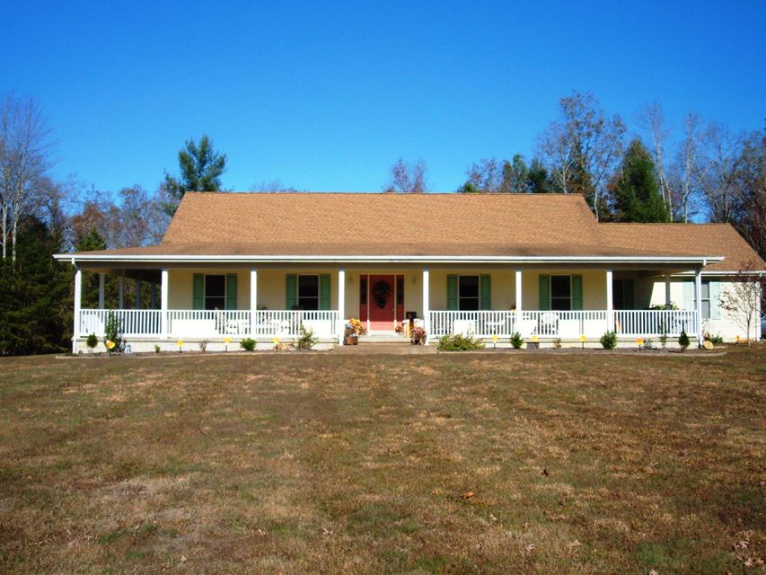 Single Family Home for Sale at 440 Bear Hollow Road Oneida, Tennessee 37841 United States