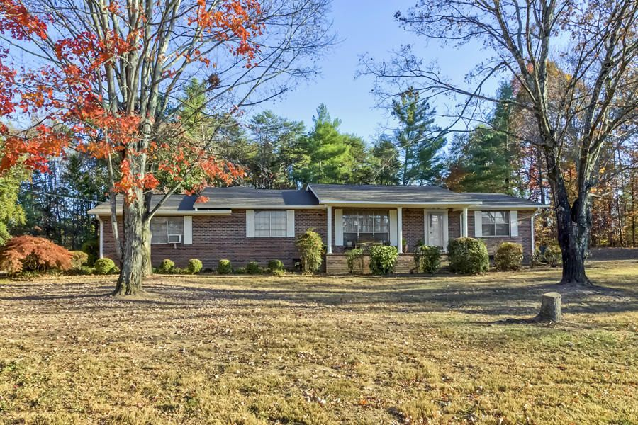 Single Family Home for Sale at 179 County Road 519 Englewood, Tennessee 37329 United States