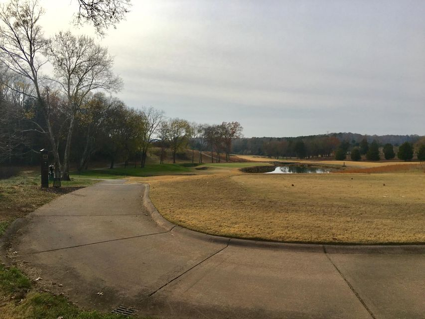 Additional photo for property listing at 1418 Eagle Point Drive 1418 Eagle Point Drive Loudon, Tennessee 37774 United States