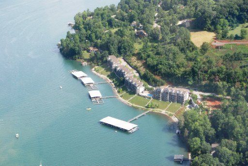 Two bedrooms on the lake
