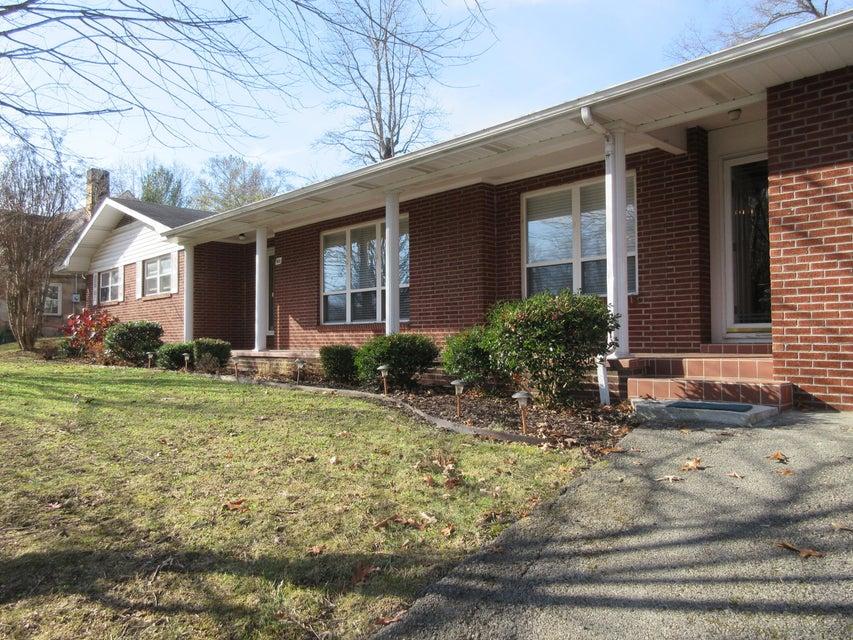 Частный односемейный дом для того Продажа на 809 N 25th Street Middlesboro, Кентукки 40965 Соединенные Штаты
