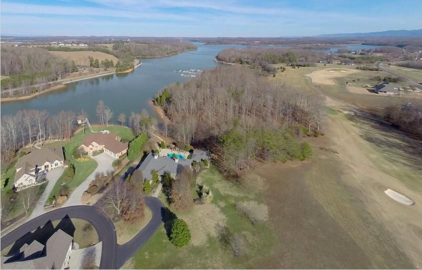 Additional photo for property listing at 140 Ganega Tr 140 Ganega Tr Vonore, Tennessee 37885 Estados Unidos