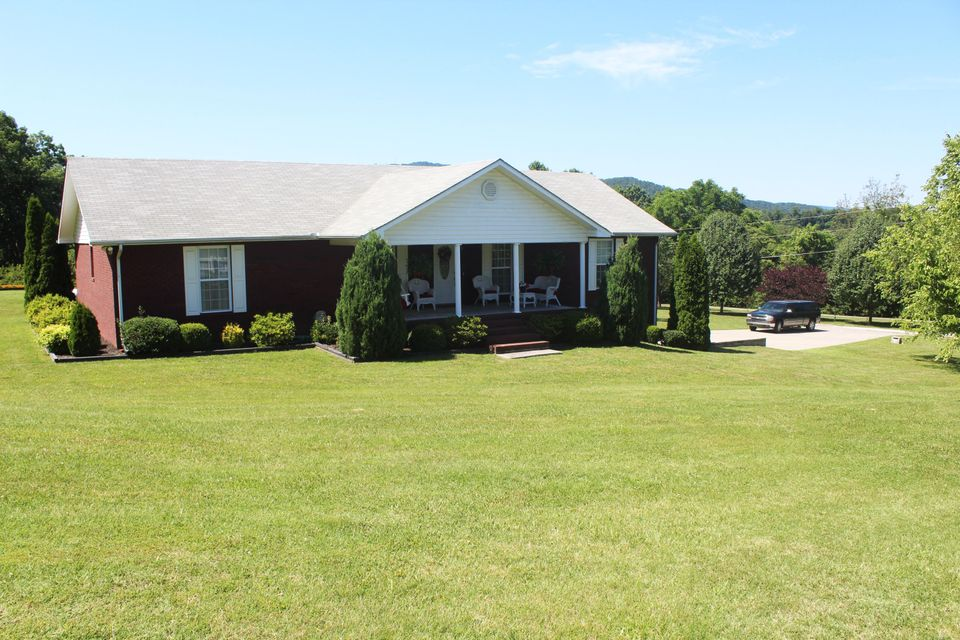 Single Family Home for Sale at 8935 Hillside Avenue Mascot, Tennessee 37806 United States