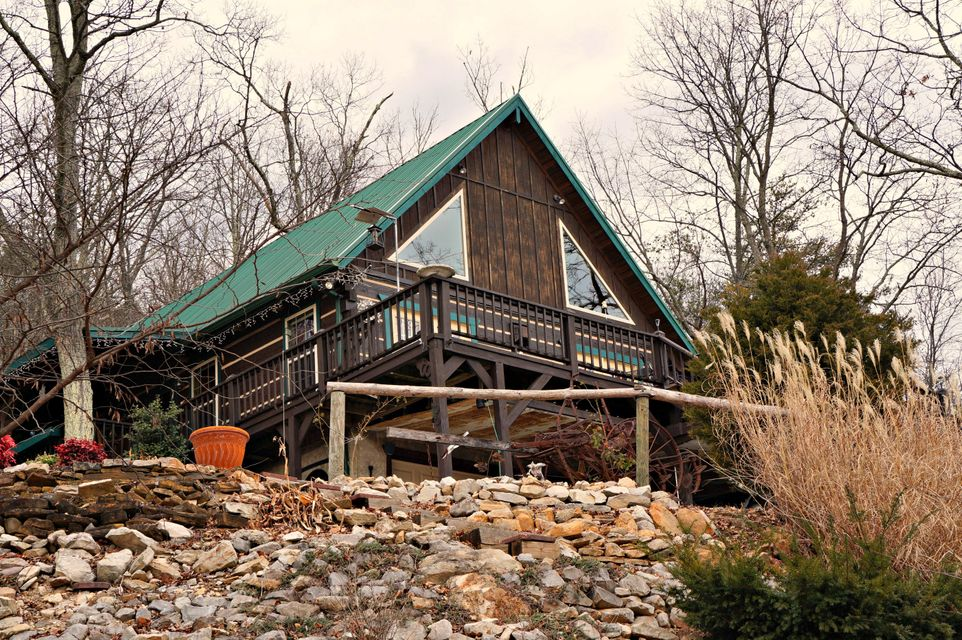 Частный односемейный дом для того Продажа на 548 Wallen Lane Thorn Hill, Теннесси 37881 Соединенные Штаты