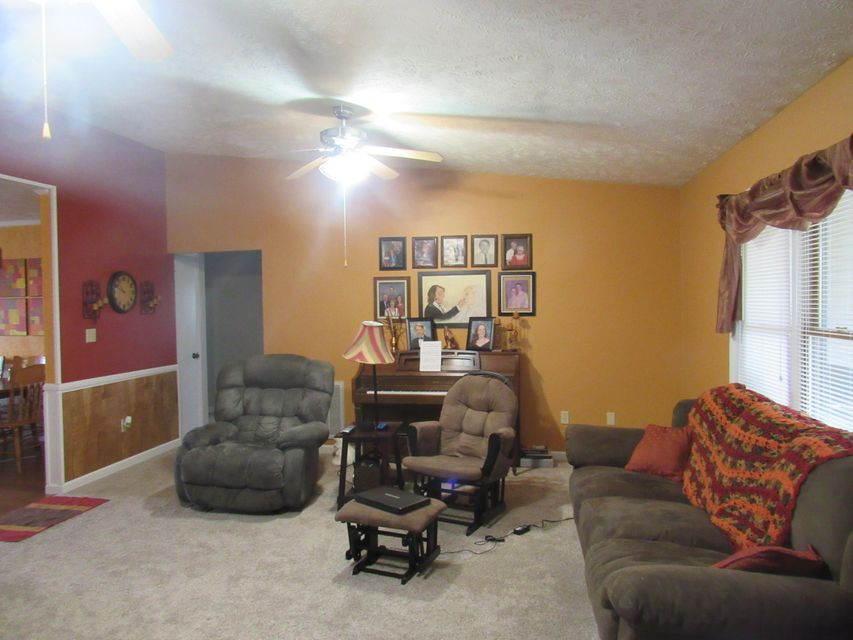 Additional photo for property listing at 1108 Greenbriar Road 1108 Greenbriar Road Talbott, Tennessee 37877 États-Unis
