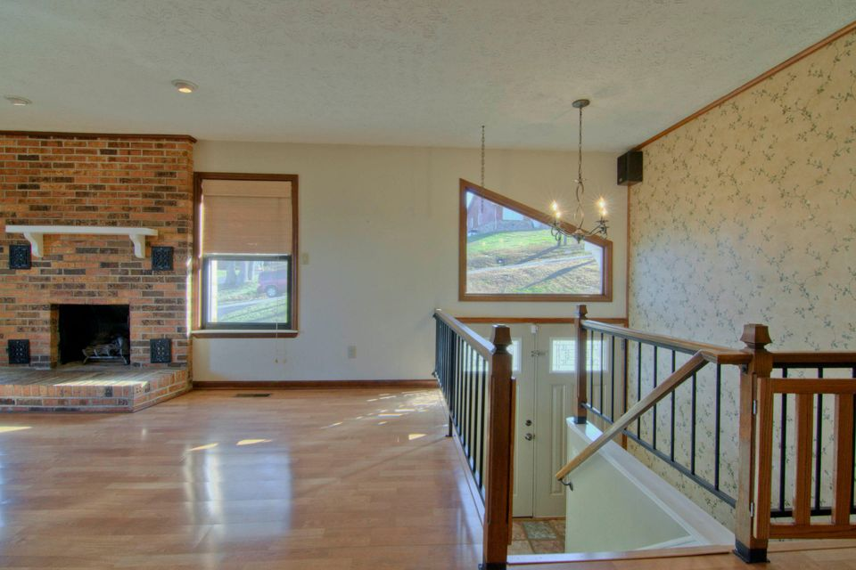 Additional photo for property listing at 771 Butler Drive  Loudon, Tennessee 37774 United States