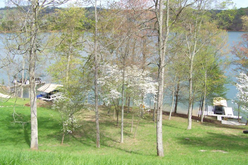 Additional photo for property listing at 426 Norris Crest Drive  Lafollette, Tennessee 37766 United States