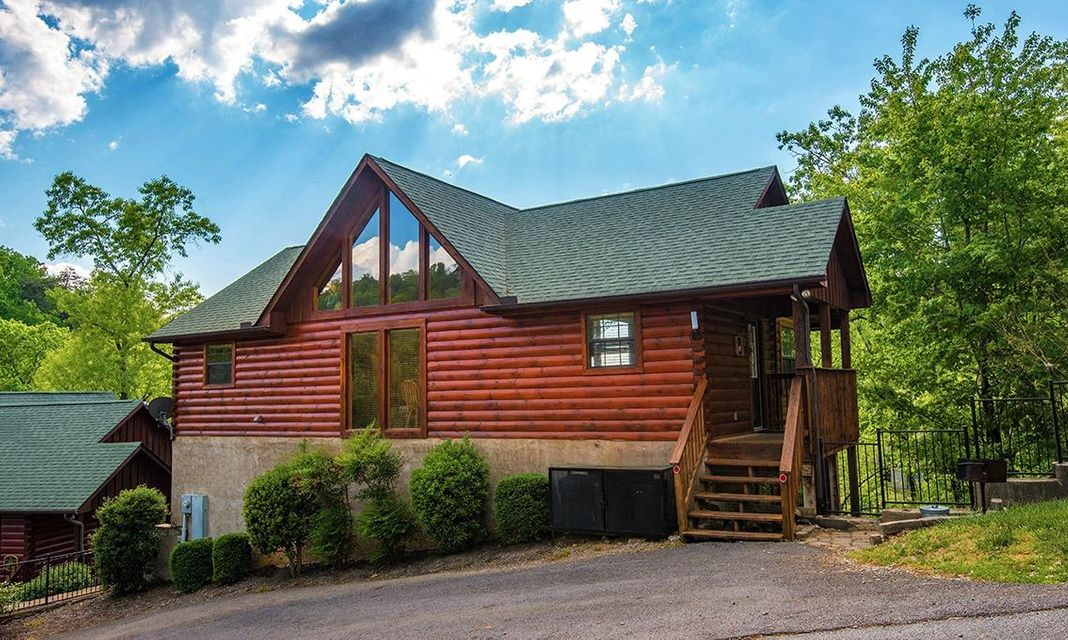 Single Family Home for Sale at 1528 Boo Boo Way Sevierville, Tennessee 37862 United States