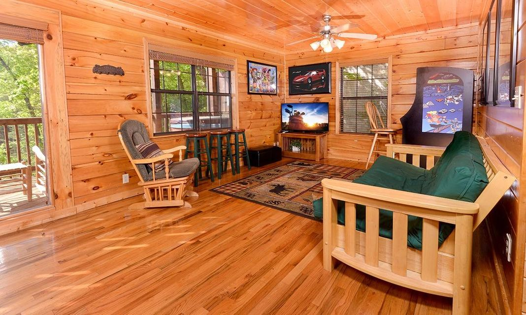 Additional photo for property listing at 1528 Boo Boo Way  Sevierville, Tennessee 37862 United States