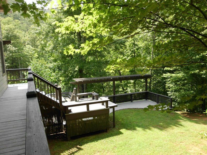 Additional photo for property listing at 686 Mt Pleasant Road 686 Mt Pleasant Road Vonore, Tennessee 37885 États-Unis