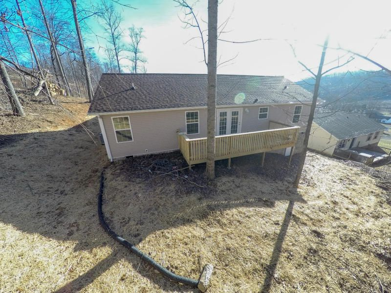Additional photo for property listing at 209 Owen Moore Drive 209 Owen Moore Drive Maynardville, Tennessee 37807 United States