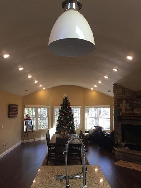 Additional photo for property listing at 3375 Birds Creek Road 3375 Birds Creek Road Sevierville, Tennessee 37876 United States