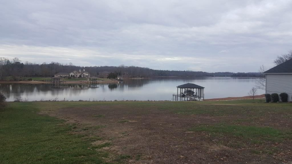 Additional photo for property listing at 170 Hiwonihi Tr  Vonore, Tennessee 37885 États-Unis