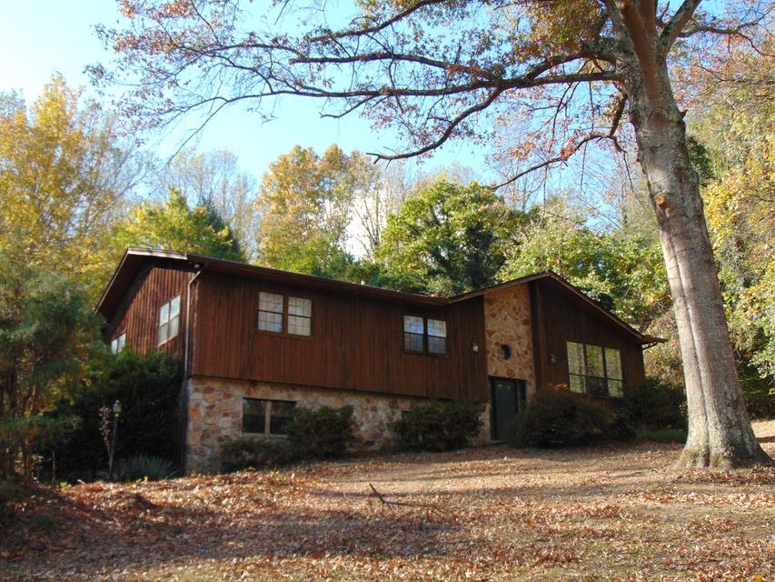 Single Family Home for Sale at 414 Webster Road 414 Webster Road Harriman, Tennessee 37748 United States