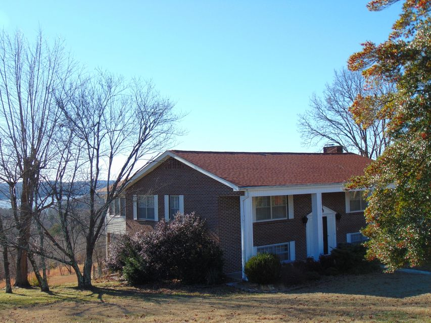 Additional photo for property listing at 103 Melvin Drive 103 Melvin Drive Harriman, Tennessee 37748 United States