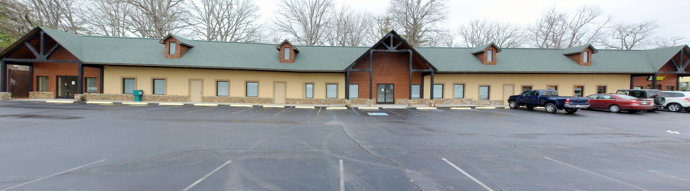 Comercial por un Venta en 4147 U.S Hwy127 North Crossville, Tennessee 38571 Estados Unidos