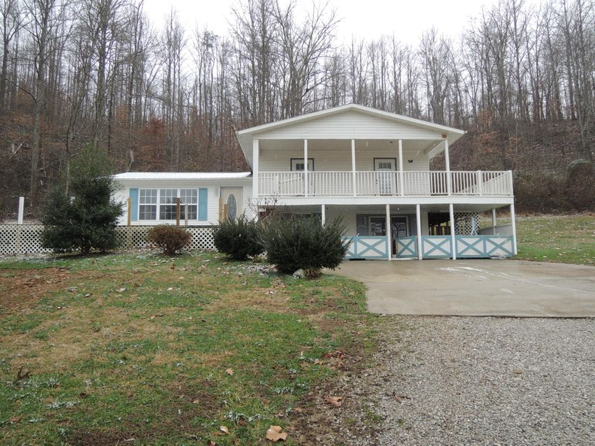 Single Family Home for Sale at 2060 Baker Hwy Hwy Huntsville, Tennessee 37756 United States