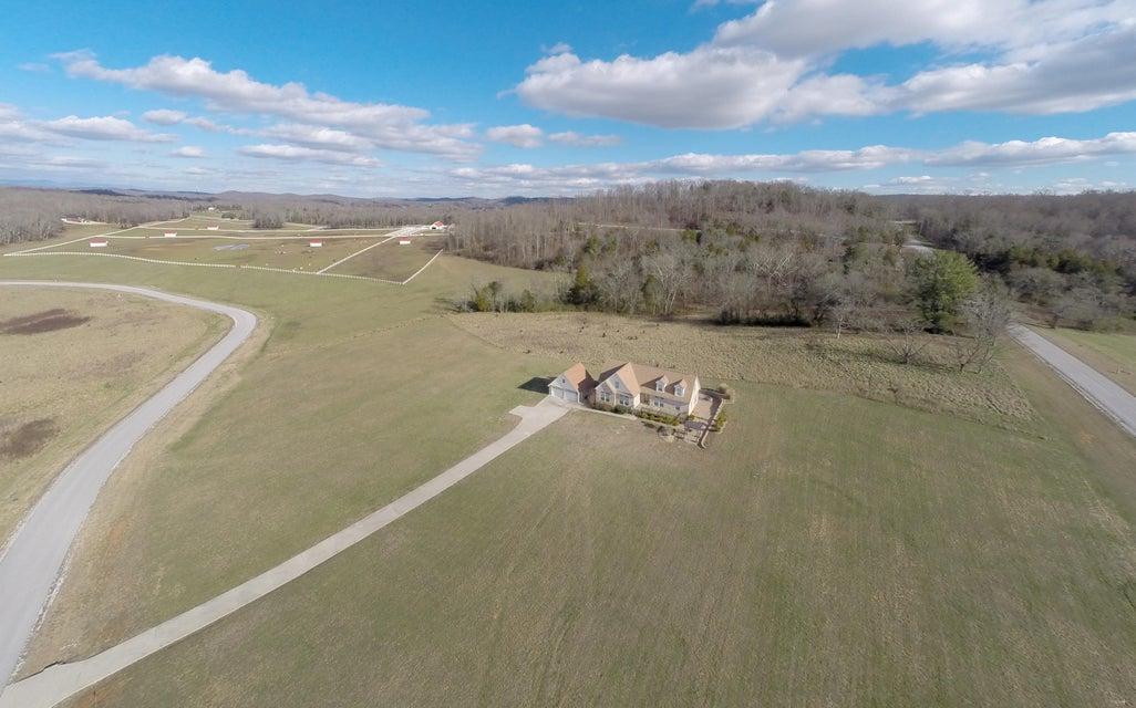 独户住宅 为 销售 在 265 West Shore Drive 265 West Shore Drive 洛克伍德, 田纳西州 37854 美国