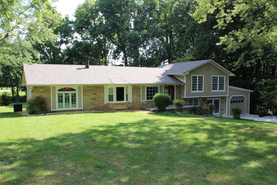 Частный односемейный дом для того Продажа на 880 James Street Cookeville, Теннесси 38501 Соединенные Штаты