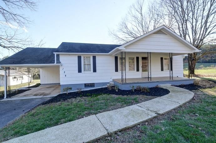 Casa Unifamiliar por un Venta en 1128 Turner Road Sale Creek, Tennessee 37373 Estados Unidos