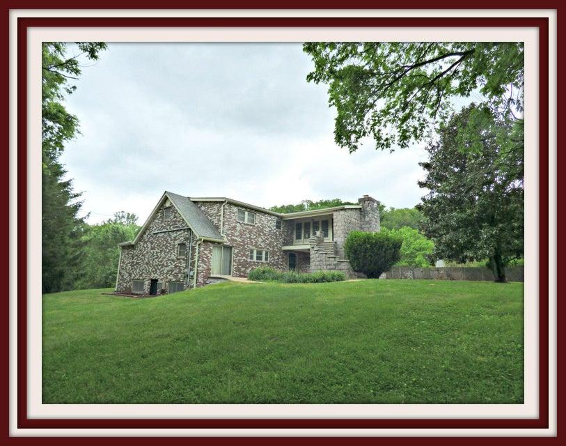 Частный односемейный дом для того Продажа на 951 Russell Gap Road New Market, Теннесси 37820 Соединенные Штаты
