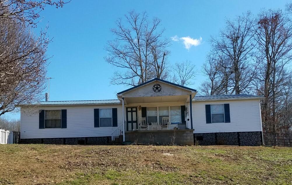 Casa Unifamiliar por un Venta en 1328 Elm Springs Ridge Road Washburn, Tennessee 37888 Estados Unidos