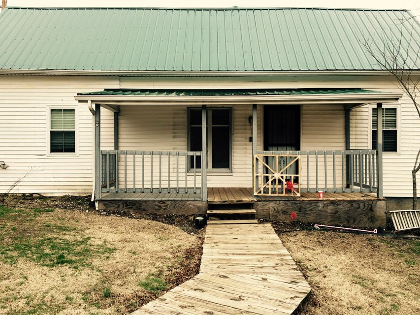 Single Family Home for Sale at 172 N 4th Avenue Jellico, Tennessee 37762 United States