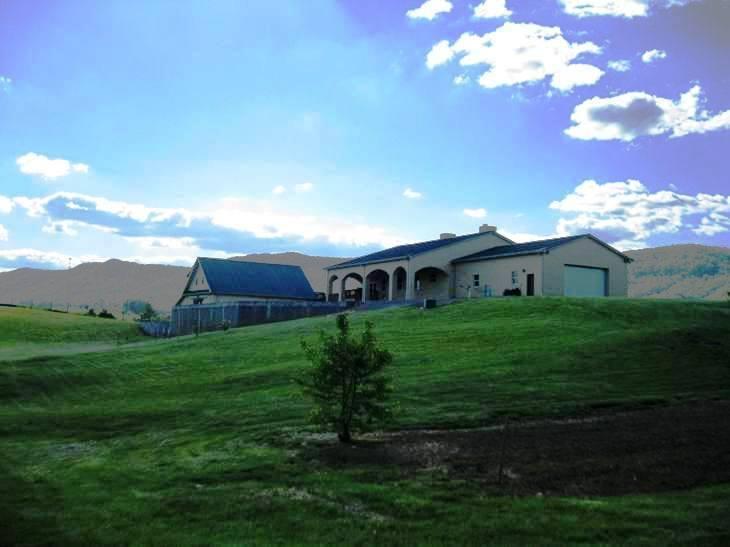 Casa Unifamiliar por un Venta en 4270 Highway 63 Speedwell, Tennessee 37870 Estados Unidos