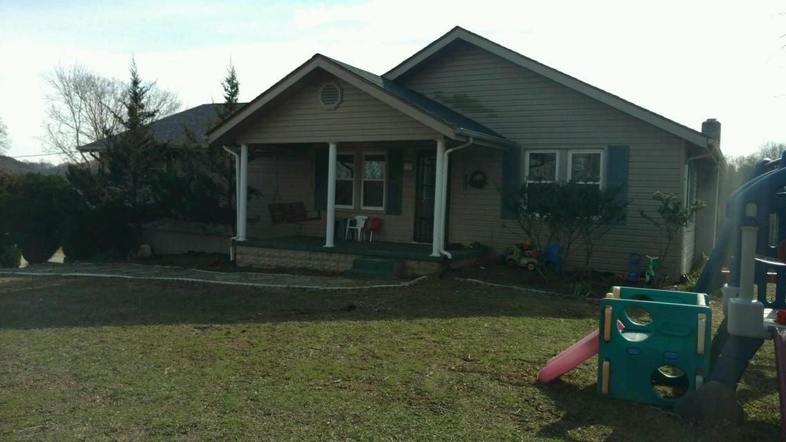 Частный односемейный дом для того Продажа на 230 Ross Cemetery Road Lake City, Теннесси 37769 Соединенные Штаты