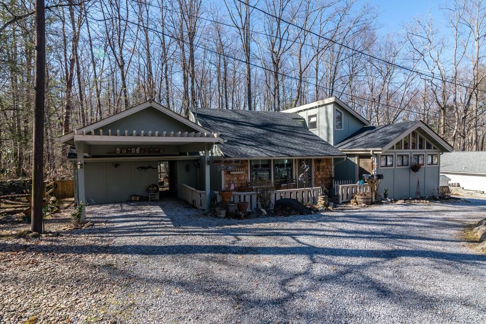 Single Family Home for Sale at 166 Stonewall Way Cosby, Tennessee 37722 United States