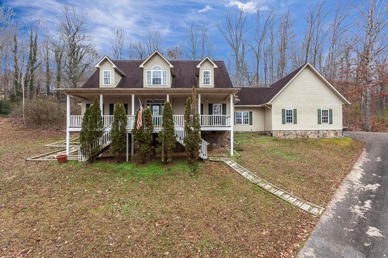 Частный односемейный дом для того Продажа на 101 Windrock View Lane Oliver Springs, Теннесси 37840 Соединенные Штаты