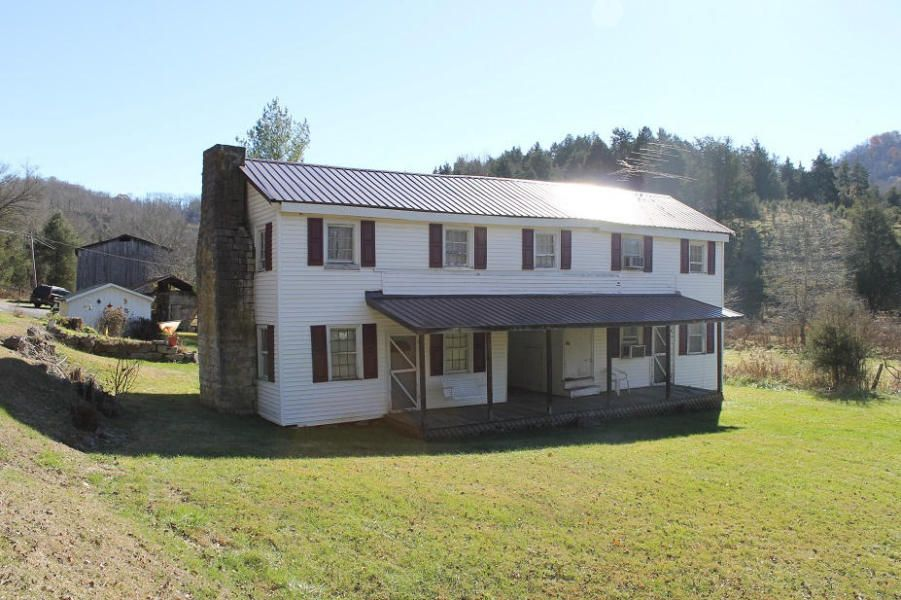 Single Family Home for Sale at 4558 Flanary Bridge Road Jonesville, Virginia 24263 United States