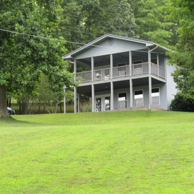 Single Family Home for Sale at 398 Perry Smith Lane Caryville, Tennessee 37714 United States