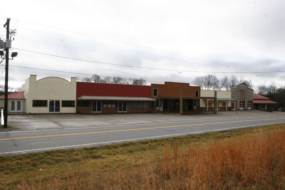 Commercial for Sale at 2600 N Highway 11 Sweetwater, Tennessee 37874 United States