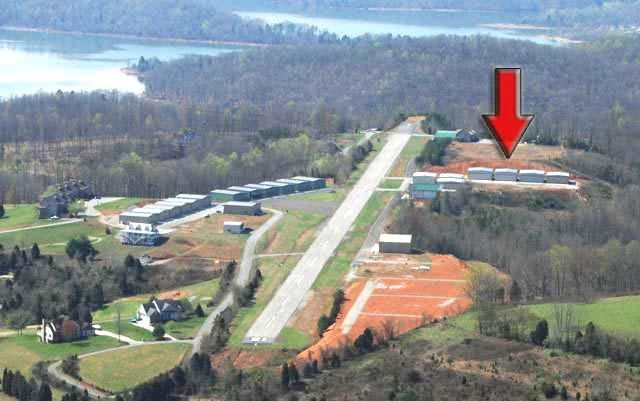 Hangar for sale at Deerfield Resort