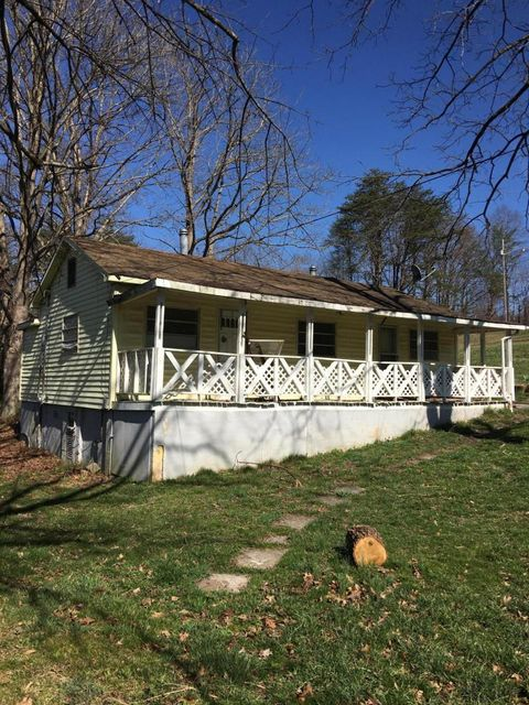 Single Family Home for Sale at 272 Turner Lane Crab Orchard, Tennessee 37723 United States