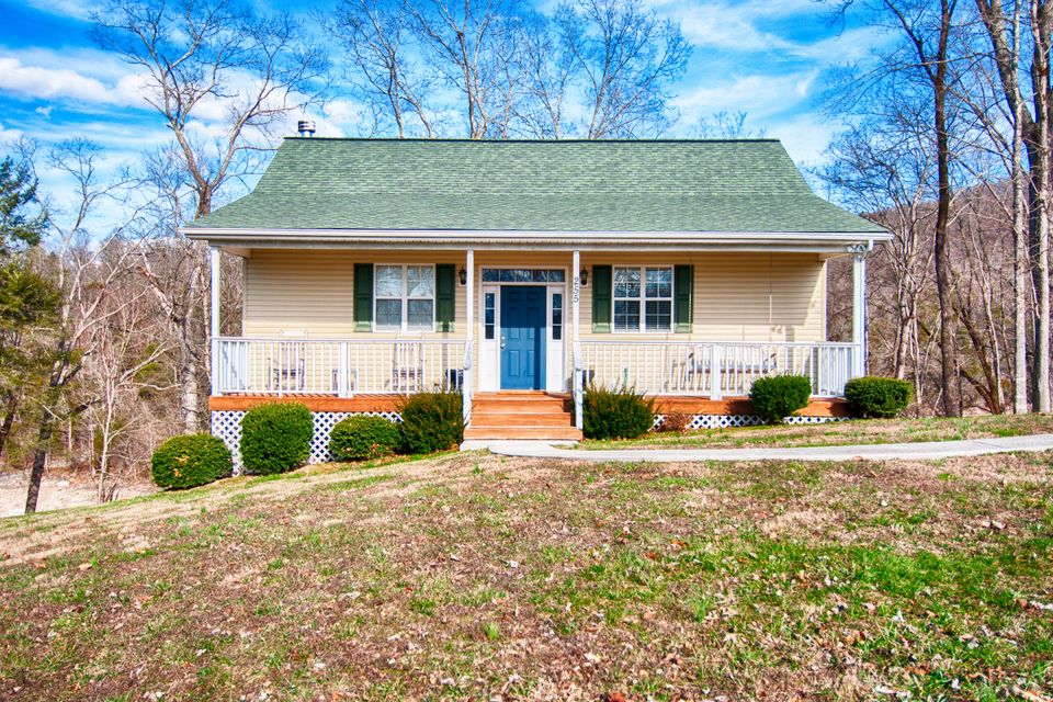Single Family Home for Sale at 255 Sioux Jacksboro, Tennessee 37757 United States
