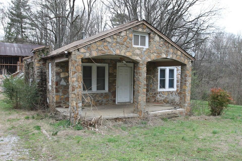 独户住宅 为 销售 在 1416 Boyds Creek Hwy 1416 Boyds Creek Hwy 西摩, 田纳西州 37865 美国