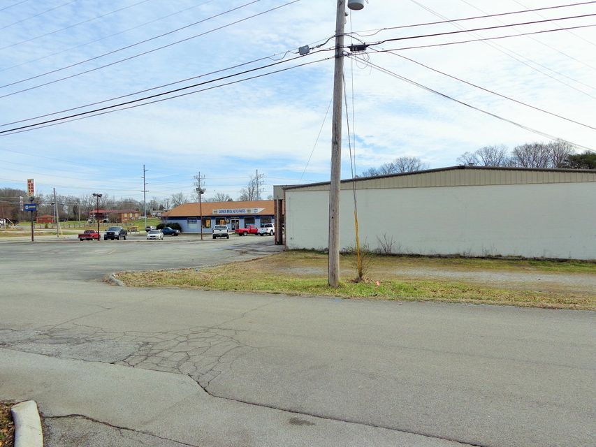 Additional photo for property listing at 2808 E Lamar Alexander Pkwy 2808 E Lamar Alexander Pkwy 马里维尔, 田纳西州 37804 美国