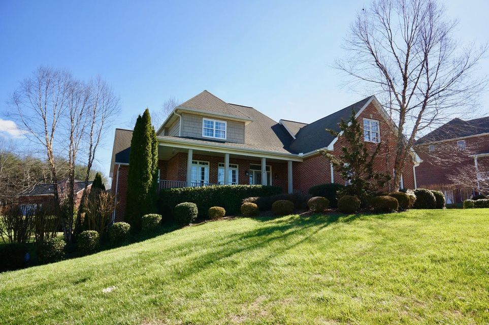 Частный односемейный дом для того Продажа на 108 Helen Place Cookeville, Теннесси 38506 Соединенные Штаты