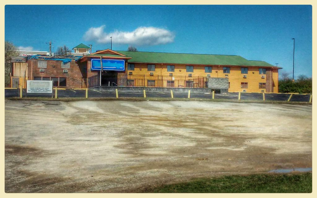 Commercial for Sale at Address Not Available Clinton, Tennessee 37716 United States