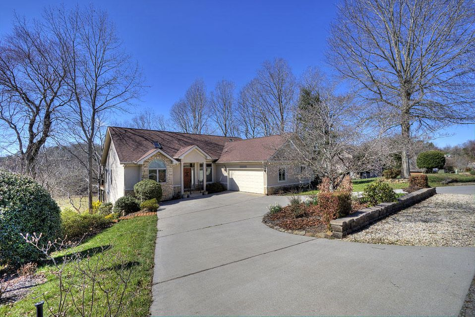 Частный односемейный дом для того Продажа на 188 Oonoga Way 188 Oonoga Way Loudon, Теннесси 37774 Соединенные Штаты