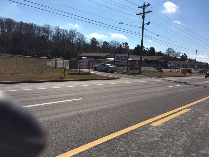 Commercial for Sale at 3949 Hwy 411 Madisonville, Tennessee 37354 United States