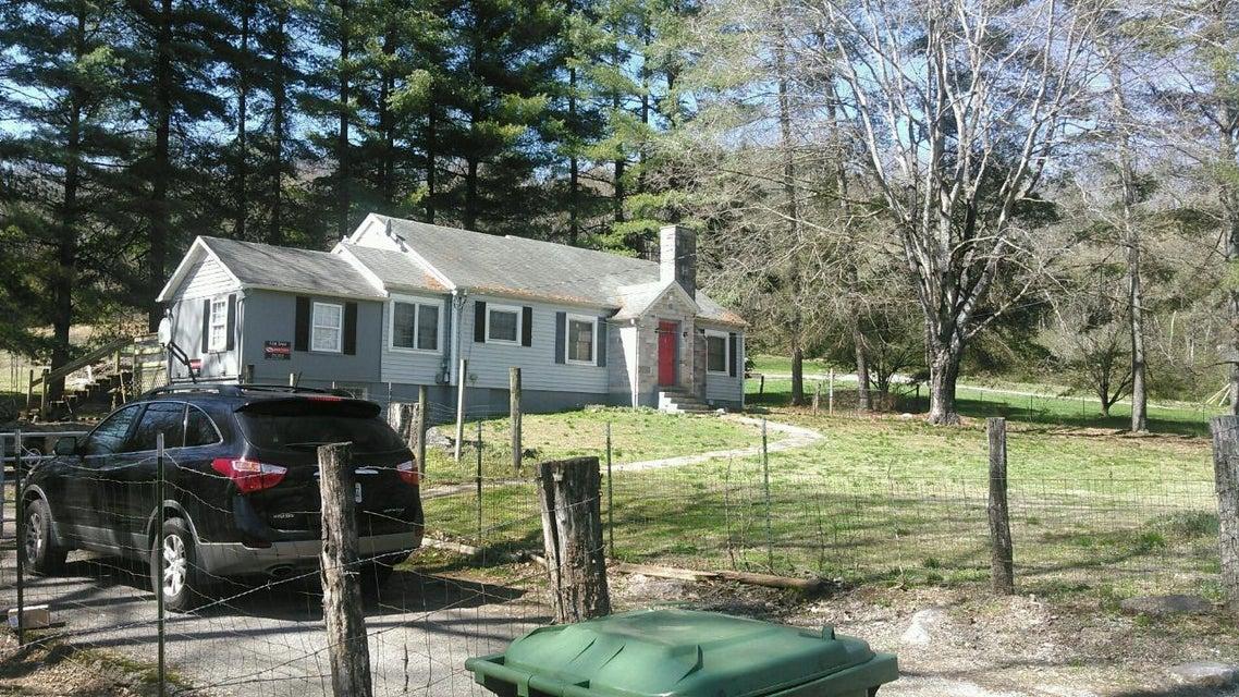 Частный односемейный дом для того Продажа на 3106 E Highway 61 Luttrell, Теннесси 37779 Соединенные Штаты