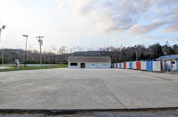 Commercial for Sale at 4553 Rhea County Hwy Dayton, Tennessee 37321 United States