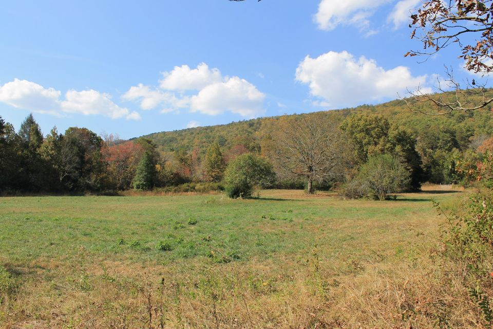Additional photo for property listing at Happy Valley Road Happy Valley Road Tallassee, Tennessee 37878 États-Unis