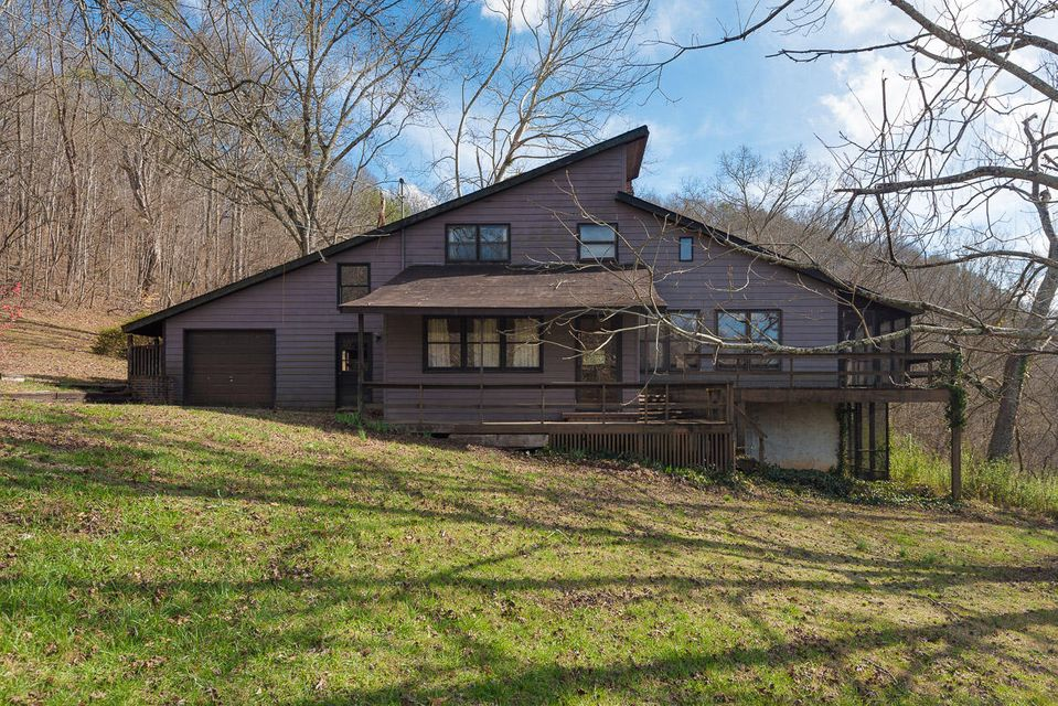 Single Family Home for Sale at 441 Peach Orchard Road Clinton, Tennessee 37716 United States