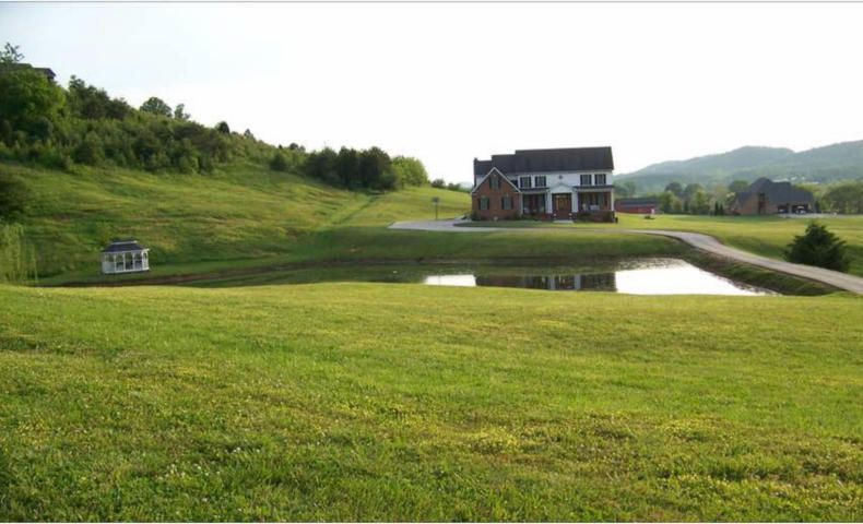 Single Family Home for Sale at 928 Harvest Drive 928 Harvest Drive Seymour, Tennessee 37865 United States