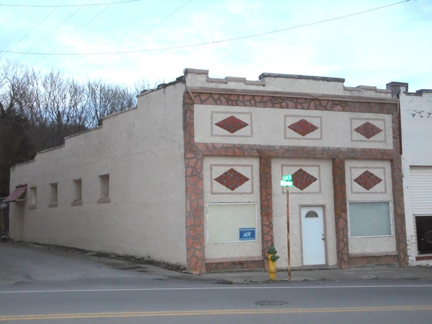 Commercial for Sale at 582 N Main Street 582 N Main Street Jellico, Tennessee 37762 United States
